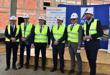 Na budowie Punktu Utrzymania Taboru w Wągrowcu zawisła wiecha