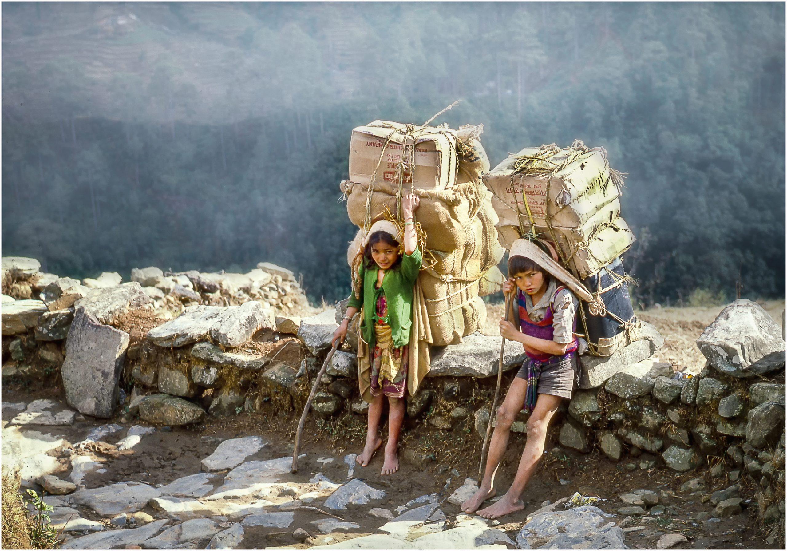 Zdjęcie konkursowe z wystawy pod tytułem Dziecko - Dwójka dzieci w Nepalu