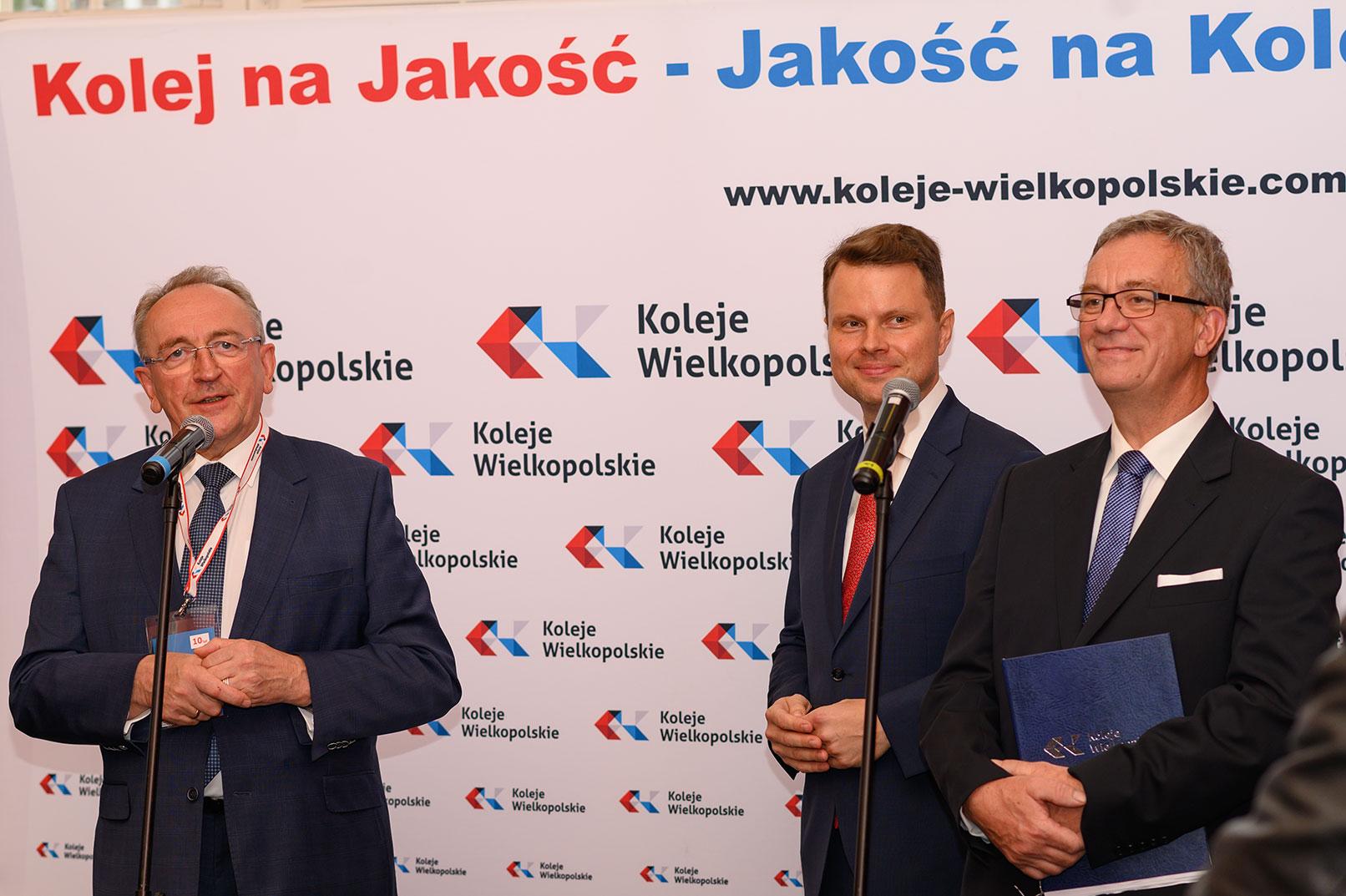 Wicemarszałek Jankowiak wraz z Zarządem Spółki KW